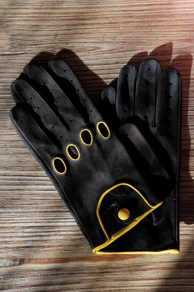 suede gloves with contrast stitching